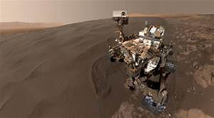 NASA releases new Curiosity selfie at Martian dune field ...