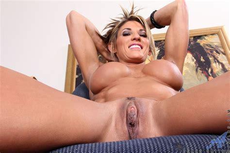 latina mature ass pics