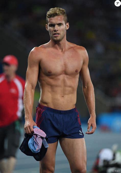 Kévin Mayer, médaillé d'argent au décathlon, aux Jeux ...