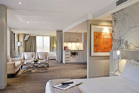 Melbourne Cbd Hotels With Balcony by Luxury Accommodation Two Bedroom Deluxe Balcony Suite