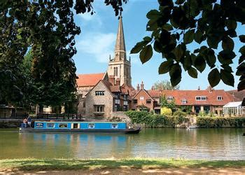 Boat Shop Kelmscott by Boating Holidays Lechlade On Thames Lechlade River