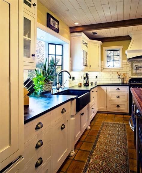 Hahka Happy Cottage Kitchen  Beach Style Kitchen