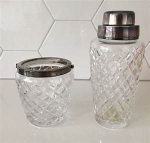 Cocktail Shaker Wmf : wmf diamond cut crystal cocktail shaker en ice bucket with silver plated mountings catawiki ~ Frokenaadalensverden.com Haus und Dekorationen