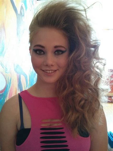 80s hair style more 80 s hair yeah and more hairspray 80 s prom