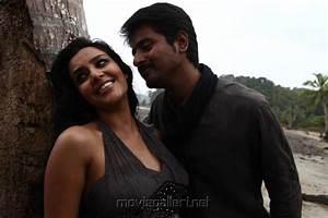 Picture 436404 | Sivakarthikeyan, Priya Anand in Ethir ...