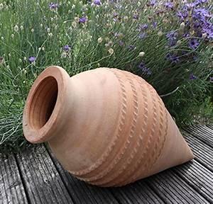 brunnen teiche von kreta keramik und andere With französischer balkon mit keramik deko für den garten