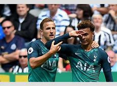 Dele Alli tries to teach his teammates his new celebration