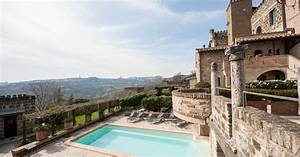 Eight Italian castles where you can spend the night  Italian