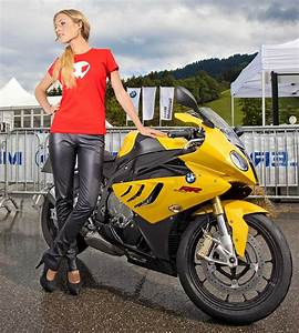 Girl Motorcycles: Hot Girls and Sport Bike New
