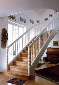 Holz Streichen Innen Weiß : holz wangentreppe typ hw11 exklusive holztreppe ilshofener treppenbau ~ Sanjose-hotels-ca.com Haus und Dekorationen