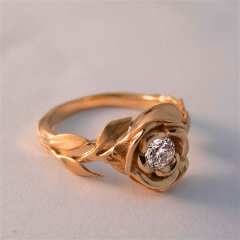 culture  lifestyle exquisite leaves rose shaped gold