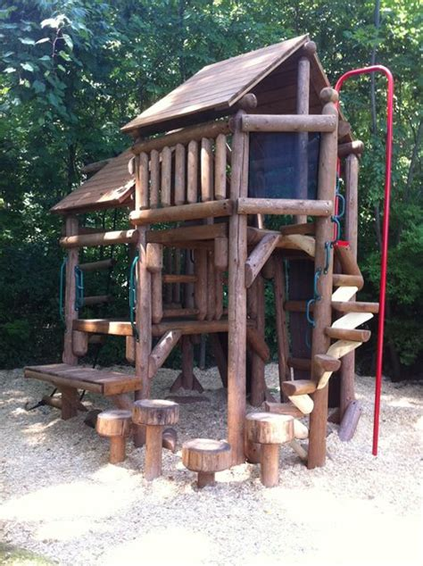 Backyard Forts by Best 25 Tree Forts Ideas On Diy Tree House