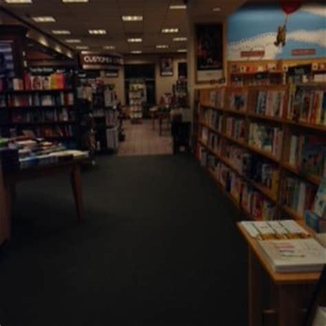 barnes and noble worcester barnes noble 27 photos 32 reviews bookshops 1