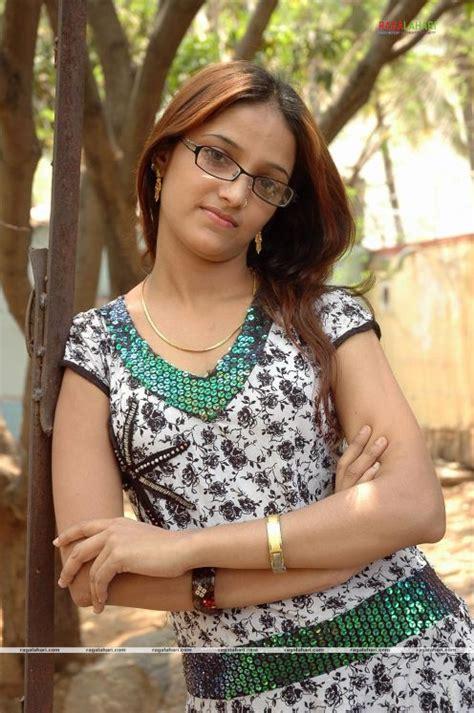 desi aunties  mallu girls chandini cute tamil actress