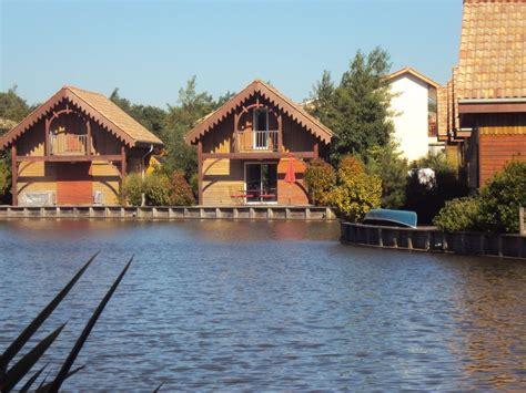 chalet de vacances neuf au bord du lac hourtin 224 14 km de l m 233 doc abritel