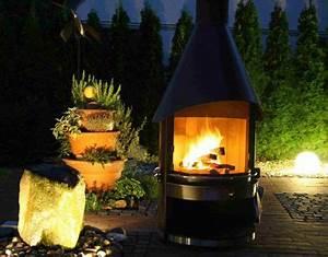 Cheminee D Exterieur Barbecue : chemin e d 39 ext rieur by night chemin e d 39 ext rieur pinterest chemin e ext rieur et barbecue ~ Dode.kayakingforconservation.com Idées de Décoration