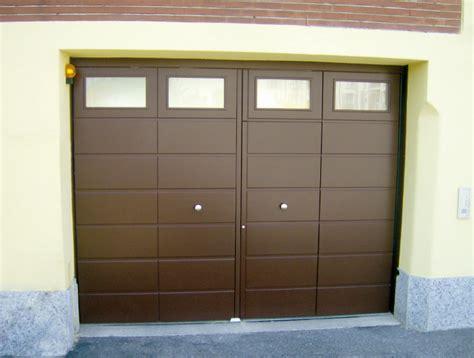 portoni sezionali garage prezzi portoni in legno soteck porte per garage