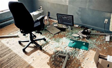 table bureau verre daily dose of imagery broken