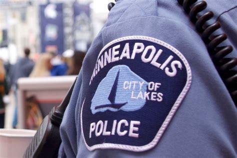 video minneapolis police receive mandatory training
