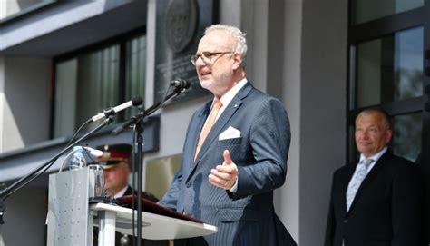 Latvijas Organiskās sintēzes institūts pasniedz Valsts ...