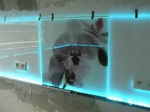 Küchenrückwand Glas Beleuchtet : k chenr ckwand aus glas mit ohne led k chenausstattung forum ~ Frokenaadalensverden.com Haus und Dekorationen