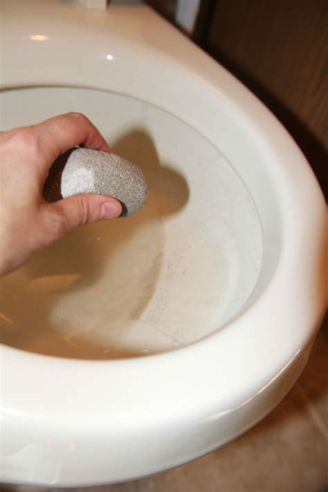 how to remove water stains from your toilet