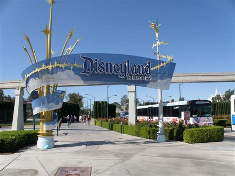 Entrance To DisneyLand, Anaheim, California, USA. | Mapio.net