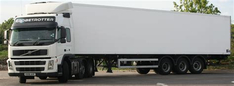 volvo trailer for file volvo fm14 globetrotter tractor with refrigerated