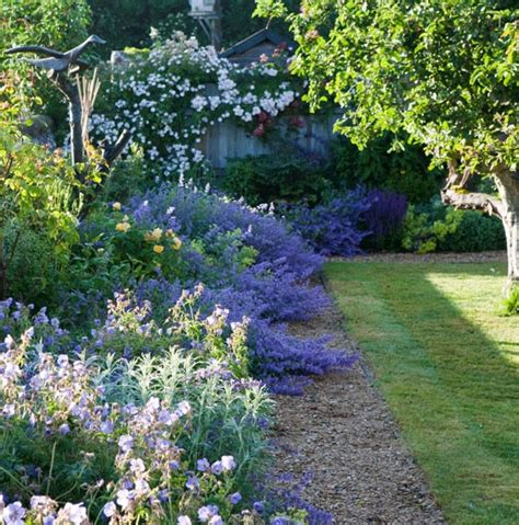 Garden In The Style Of The Country  Ideas For Home Garden