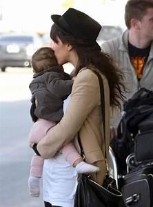 Zoe Buckman And Cleo Arriving At LAX - Zimbio