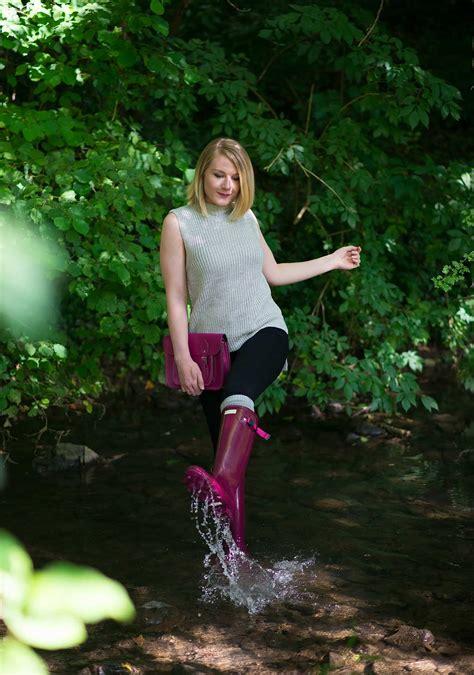 splashing  hunter norris field boots  loganberry