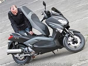 Accessoire Xmax 125 : yamaha x max 125 et 250 momo design scooter station ~ Melissatoandfro.com Idées de Décoration