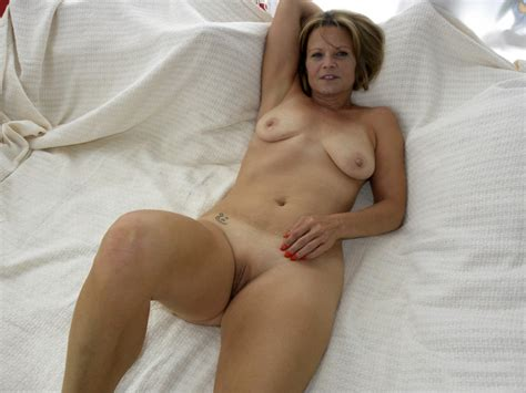 Anr3y1349634240  In Gallery Hot American Milf Gilf Great Legs 4 Picture 3 Uploaded By
