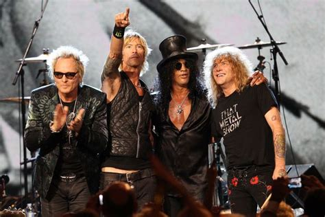 axl rose out of breath what do guns n roses look like now slash axl rose and
