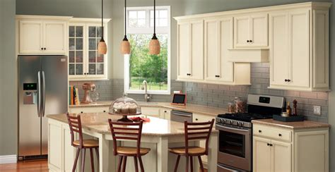 Shenandoah Cabinets by Shenandoah Cabinetry Traditional Kitchen Los Angeles