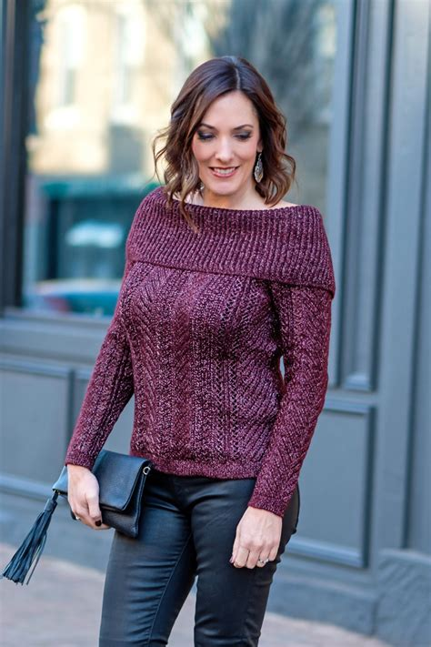 Burgundy-sweater-holiday-outfit-1a