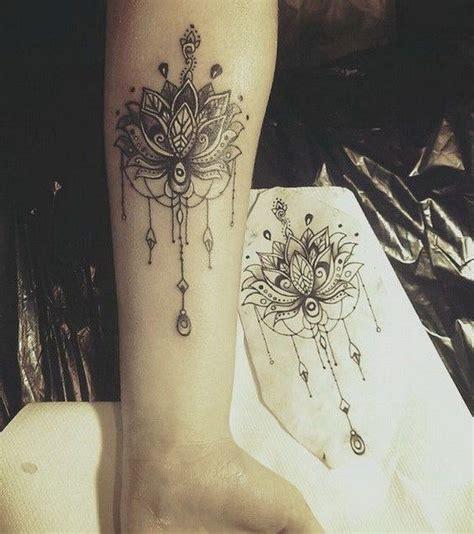 mandala handgelenk lotus mandala tattoos t 228 towierungen mandala