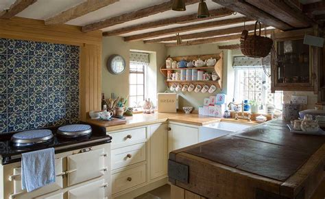 country cottage kitchens 16 traditional country kitchen ideas period living 2699