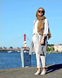 travelling kamu  berhijab coba  gaya berpakaian  bikin ootd  makin kece