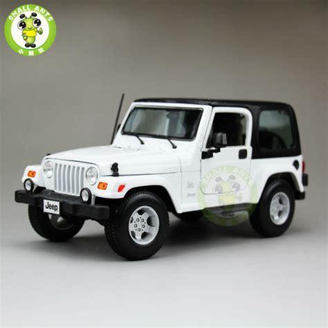 small jeep white aliexpress com buy 1 18 scale jeep wrangler sahara