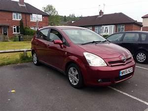 Toyota Corolla Verso 2006 : 2006 toyota corolla verso t2 1 6l red 7 seater in dewsbury west yorkshire gumtree ~ Medecine-chirurgie-esthetiques.com Avis de Voitures