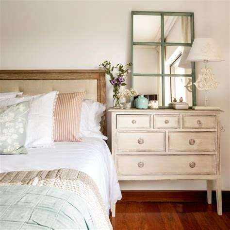 Dresser As Nightstand by 8 Reasons And 28 Exles To Use Vintage Dressers In Your