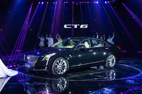 cadillac ct plug  hybrid debuts   shanghai