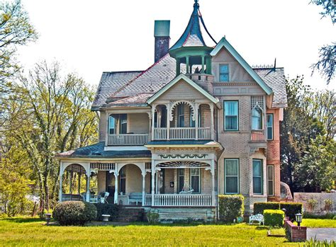 Victorian Style Homes · Miss Moss