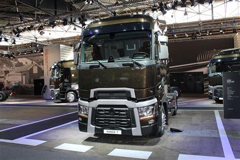 renault trucks 2014 flagship flat roof t range long distance renault trucks