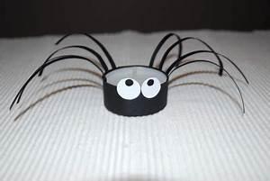 Halloween Sachen Basteln : spinne aus klorolle basteln kinderspiele ~ Whattoseeinmadrid.com Haus und Dekorationen
