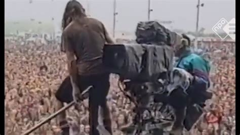 Eddie Vedder Stage Dive - eddie vedder s most stagedive explained after 26