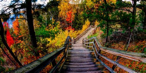 Here Are 10 Absolutely Amazing Hiking Trails In Michigan
