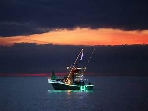 Fishing Boat Lights At Night – localbrush.info