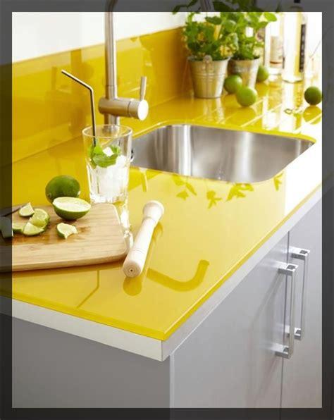 cuisine jaune citron emejing poubelle cuisine jaune images amazing house